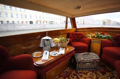 Night St. Petersburg River Neva Cruise