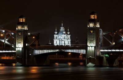 Night private guided tour in Saint-Petersburg